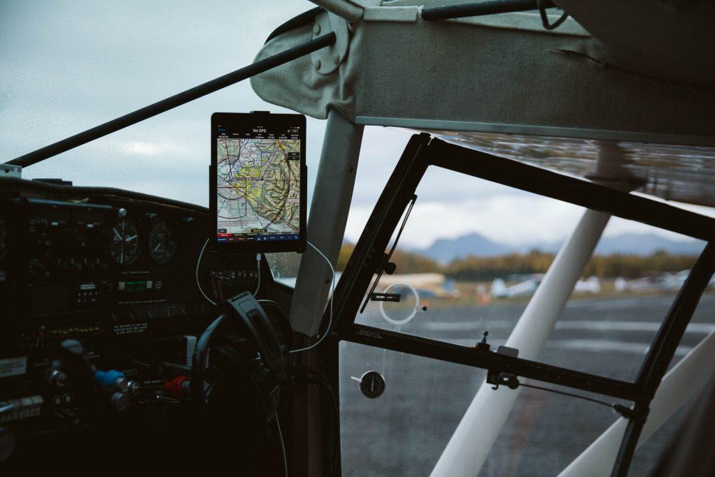 équipement aviation gps